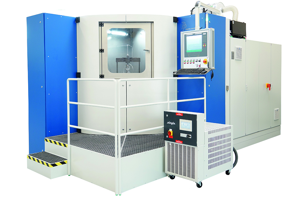 Pressure Cycle Test Bench for Offshore and Automotive Components. Tests with Oil, Water and Glycol